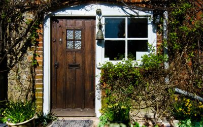Simple techniques to make any wooden door look as good as new