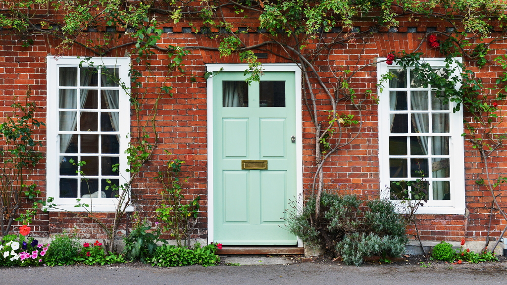 Restoring Your Old Wooden Doors Through Simple Cleaning Methods
